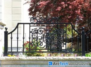 aluminum-railing-front-house