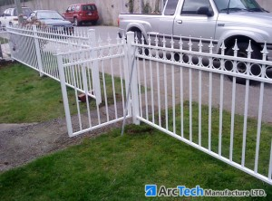 aluminum-railing-with-concret-posts
