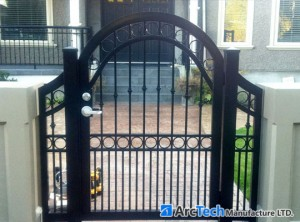bell-curved-soild-frame-entry-gate-2