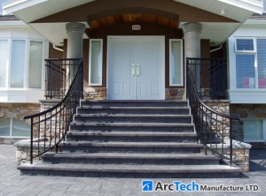 curved-front-entry-aluminum-railing