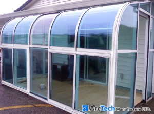 curved-glass-sunroom