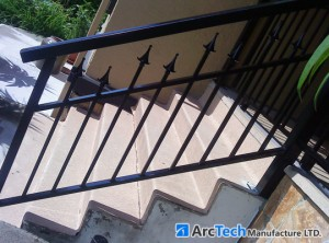 custom-designed-aluminum-railing
