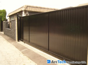 solid-driveway-gate
